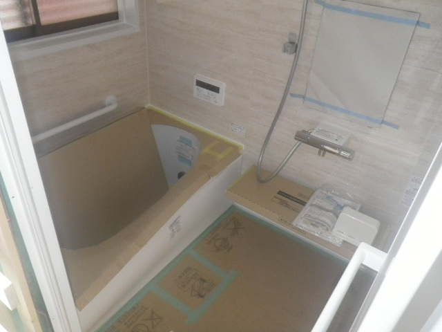 システムバスの組立をさせて頂きました/浴室リフォーム6日目<氷見市南部>