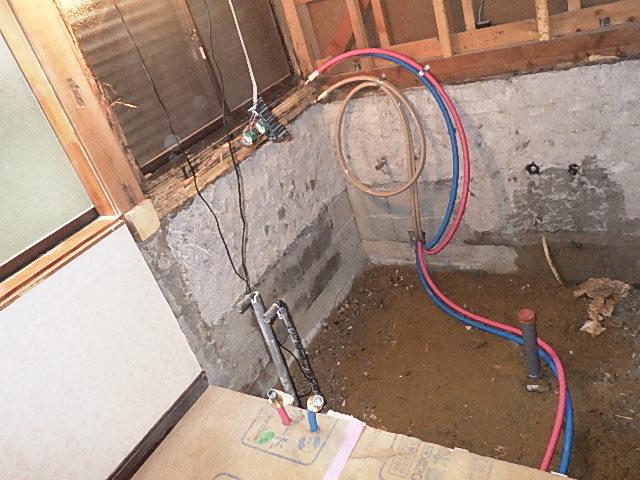 浴室の配管工事をさせて頂きました/浴室リフォーム3日目<氷見市南部>