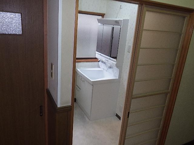 洗面台を取付し、お引渡しさせて頂きました/浴室リフォーム8日目<氷見市南部>