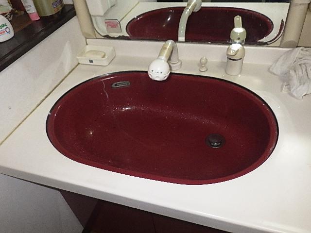 氷見市の修理・お直し 「洗面台の水が飛び散る修理」