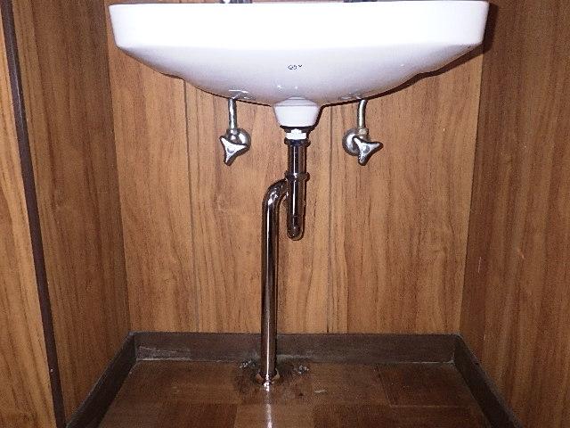 氷見市の修理・お直し 「洗面台の排水管取替」
