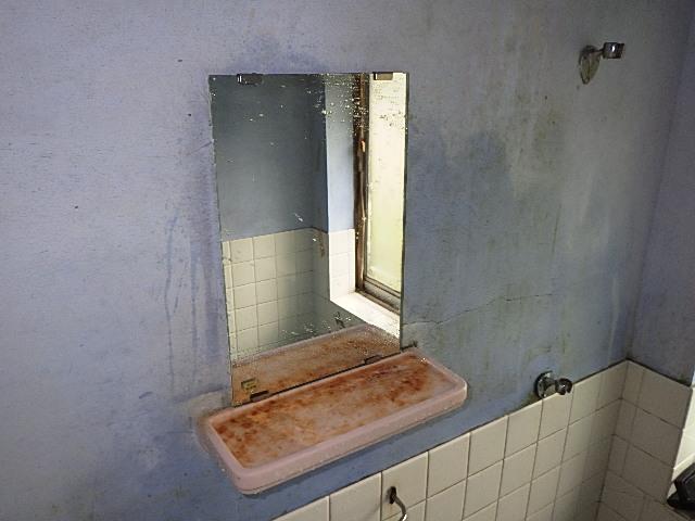 氷見市の小工事 「浴室の鏡交換!ピッカピカ♪とても見やすいです!」