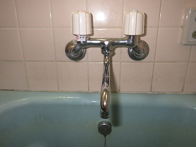 氷見市の小工事 「2ハンドル水栓交換」