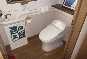 氷見市のトイレリフォーム 「一体型トイレ☆すっきりデザイン!」