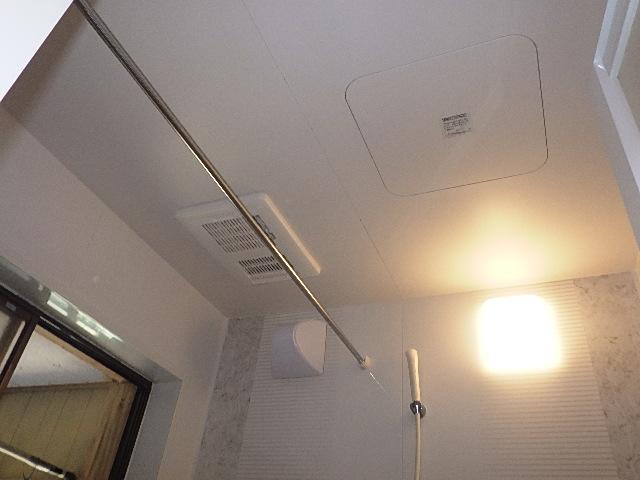 氷見市の浴室暖房設置工事 「冬でもあたたか☆換気扇→浴室暖房換気乾燥機」