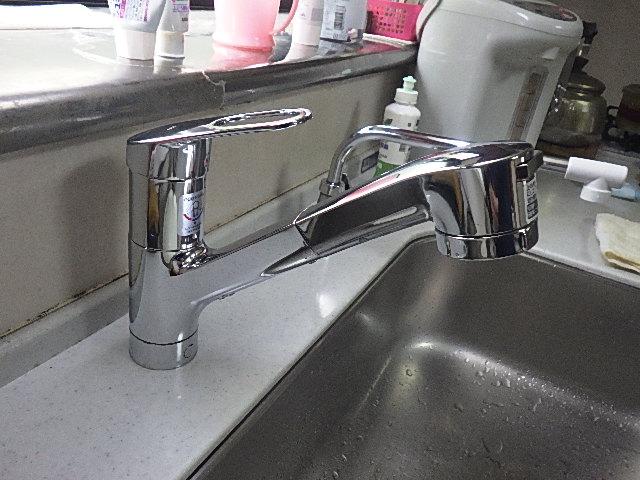 氷見市の小工事 「台所水栓の交換」