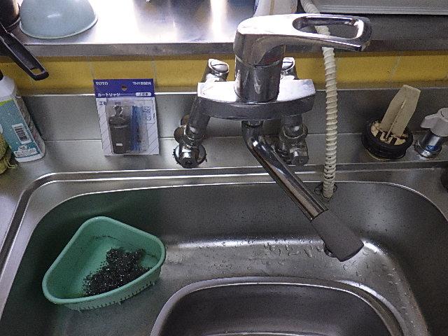氷見市の台所水栓修理 「カートリッジの交換」