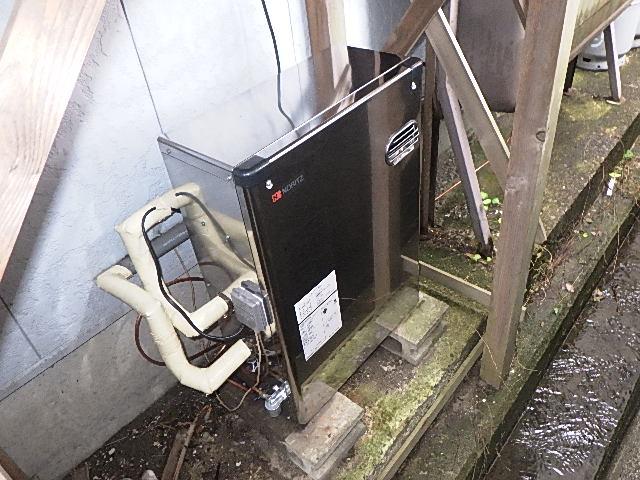 氷見市の灯油ボイラー交換工事 「錆に強いステンレス外装」