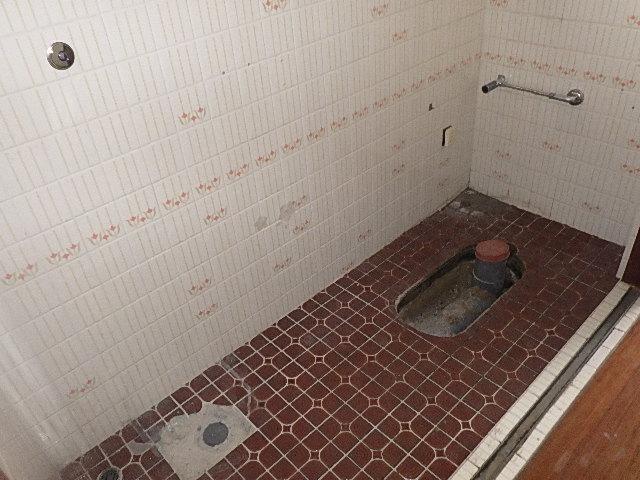 【氷見市】N様邸 和式→洋式トイレにリフォーム!<1日目>