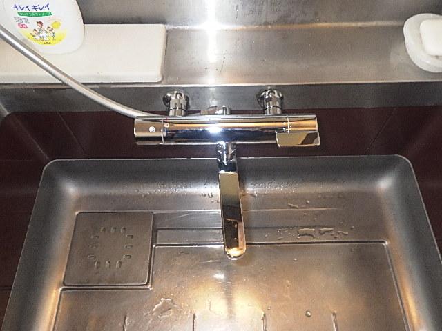 氷見市の水栓交換 「ユニットバス内のサーモ水栓」