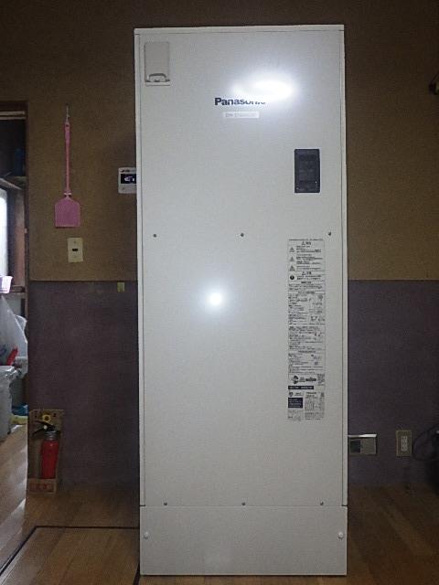 氷見市の電気温水器交換工事 「タンクからの水漏れによる交換」