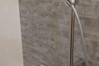 最新のシャワーヘッド