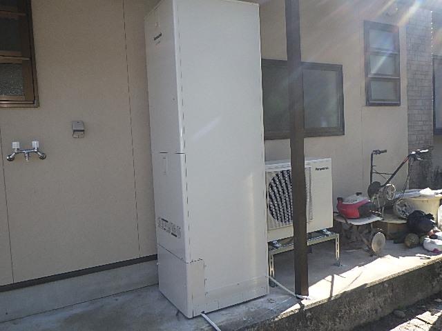 電気温水器からエコキュートに交換工事