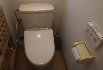 トイレ故障の現場調査へ