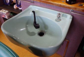 水栓の修理へ